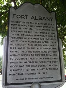 Fort Albany marker on Arlington Ridge